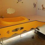 Cabine bébé Sanitaires communs propreté hygiène nettoyage régulier | Camping Chapelains Drome