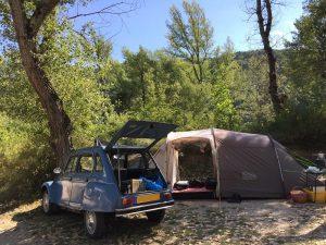 20170723 emplacements peupliers vintage citroen camping chapelains saillans by jmp 800x600-min